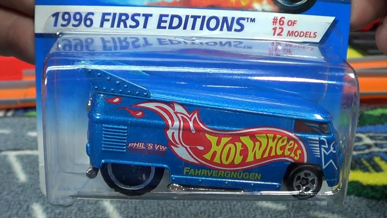 Hot Wheels Vw Bus First Edition Vs 30th Anniversary Re