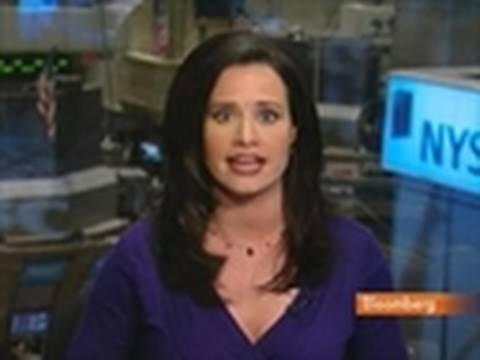 U.S. Stocks Plunge on Consumer Confidence Slump, China: Video