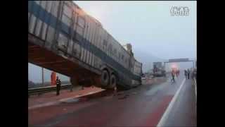 Водитель автовоза спас всех от жесткого замеса