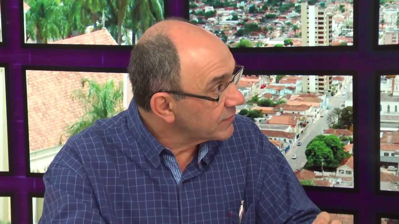 02/04 - Secretário responde ouvinte de Macaúbas de Cima sobre construção de escola na comunidade