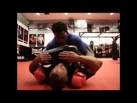 49ers linebacker Aldon Smith practices MMA