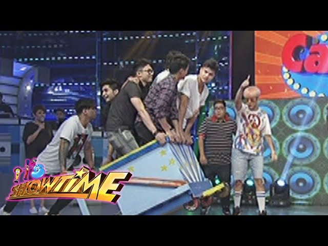 It's Showtime: Team Vice on a wagon