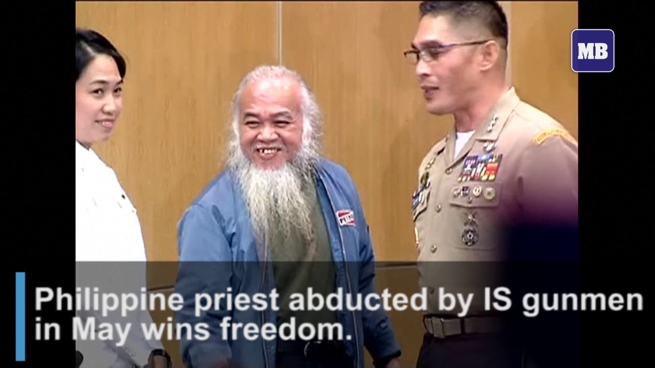 Philippine priest abducted by IS gunmen in May wins freedom