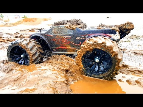 RC Mud Trucks Racing. Jumping 4x4 — JLB Racing CHEETAH and VRX Racing RH1045 — RC Extreme Pictures