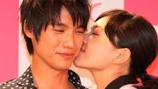 川口春奈、福士蒼汰と公開キス 映画「好きっていいなよ。」イベント