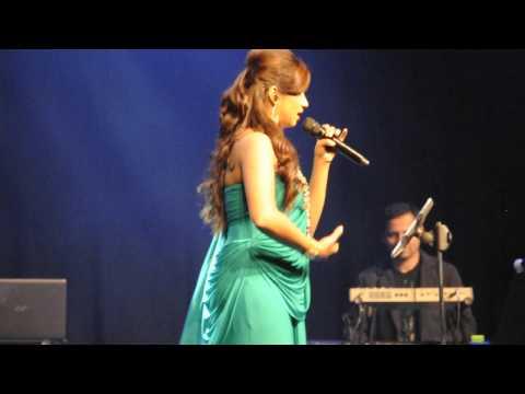 24 Feb 2013 - Shreya's Brisbane concert - Piyu Bole