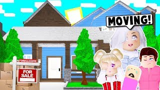 MOVING BACK TO OUR OLD FAMILY HOUSE ON BLOXBURG! (Roblox)