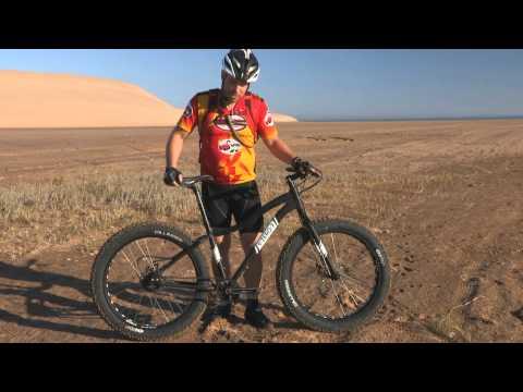Rohloff SPEEDHUB Fatbike in the Namib Desert