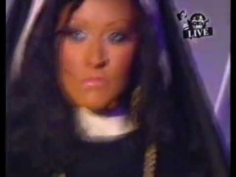 christina-aguilera-opening-emas.html