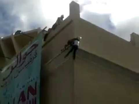 Girl Committed Suicide at KB Mall Malaysia (24-3-2011)