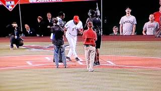 Don Baylor breaks bone on 1st pitch from Vlad