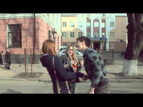 Kiss Prank. Целуем девушек на улице. (StreetFun:D)