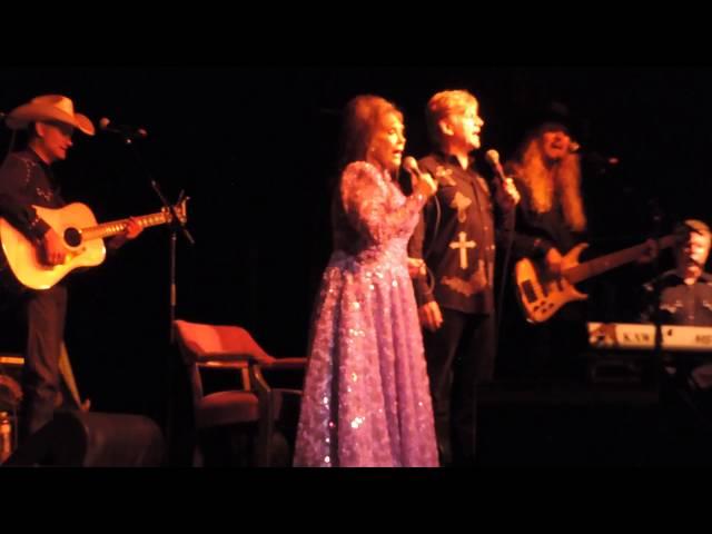 LORETTA LYNN LIVE 2014 GOSPEL MELODY & Coal MINERS DAUGHTER