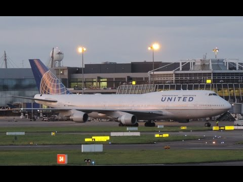 United Airlines Boeing 747-4 takeoff Dublin Airport