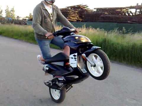 Yamaha Jog Yamaha Jog rr Stunt by