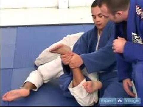 Gracie Brazilian Jujitsu Moves : Knee Bar Jujitsu Technique
