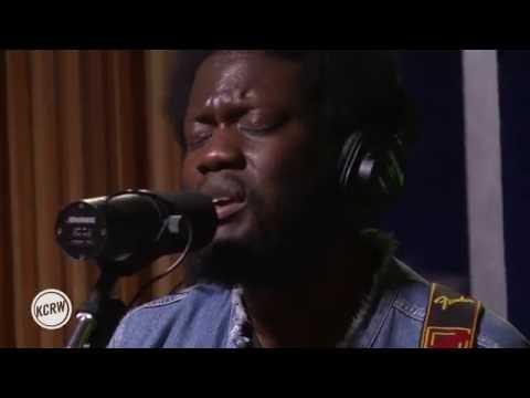 Michael Kiwanuka performing