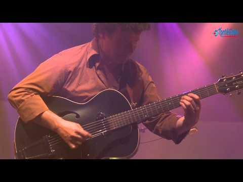 André Ceccarelli, Sylvain Luc et Richard Bona au Saveurs Jazz Festival 2011 à Segré - Part 8