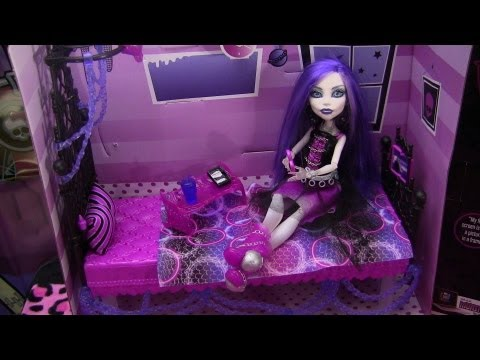 Monster High Spectra Vondergeist Floating Bed Playset Review Video !!! :D!!