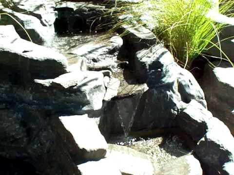 Curso de agua dise o de jardines y cascadas youtube for Diseno de cascadas para jardin