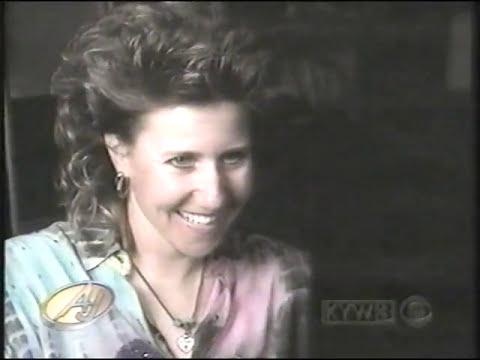 1994 Debbie Rowe at Kareoke Bar singing Michael  Jackson's Beat It
