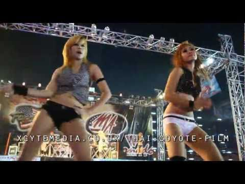Pattaya Bangkok Motor Show 2011 Sexy Thai Coyote Dancing video