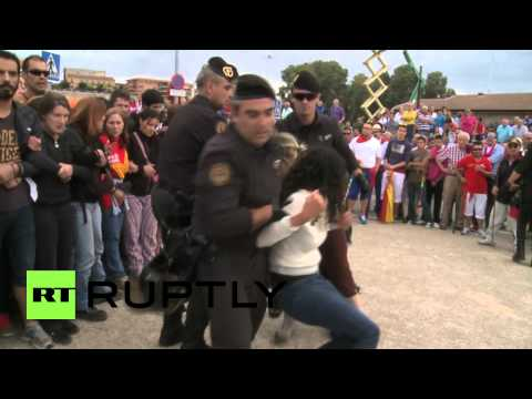 Spain: Protests, arrests at bull fighting 'blood fiesta' Toro de la Vega