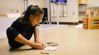 5-year-old with no arms won't let anything limit her