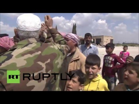 Syria: Russian helicopters deliver humanitarian aid to Aleppo