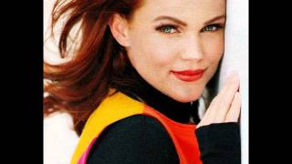 Watch Belinda Carlisle I Need A Disguise video