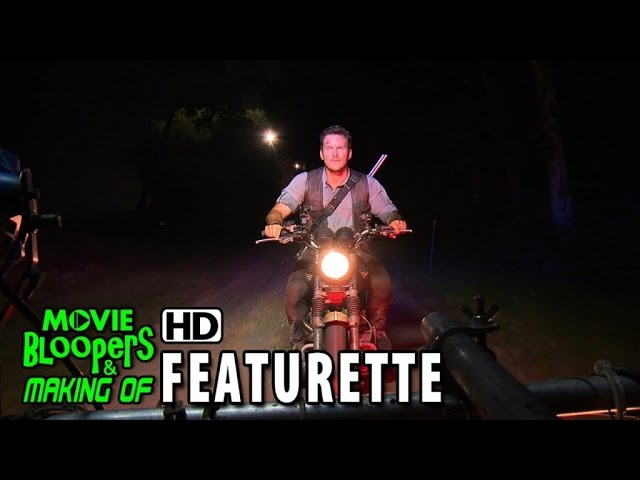 Jurassic World (2015) Featurette - Chris Pratt's Jurassic Journals: Motorcycle