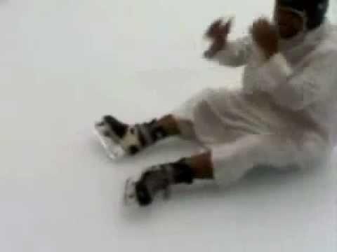بدوي حطوه بصالة التزلج الله يسامحهم هههه
