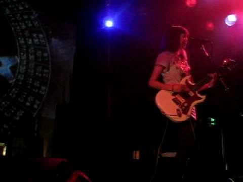 School of Seven Bells - Heart Is Strange [Live] @ Slim's