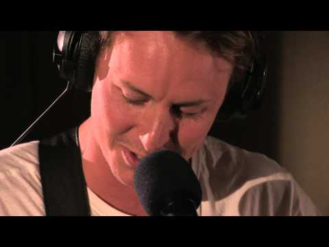 Ben Howard Covers Call Me Maybe In The Live Lounge video