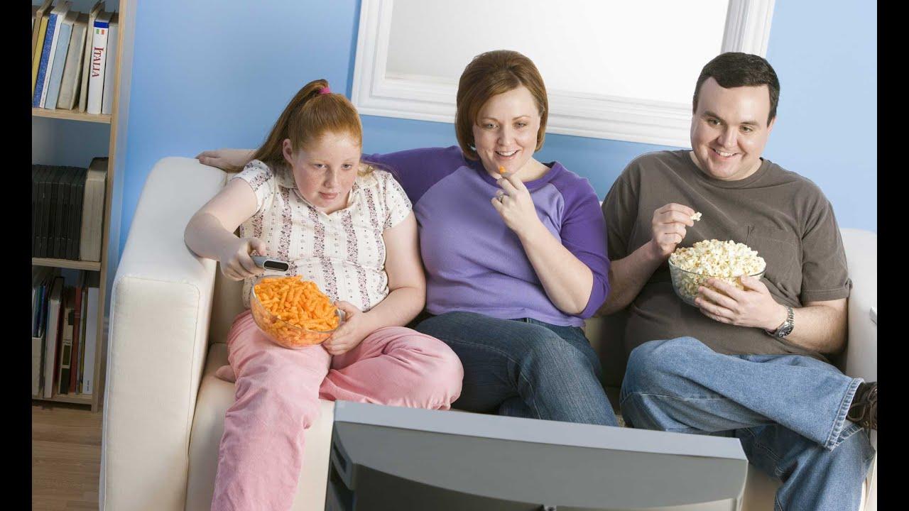 Le regole perfette per avere un figlio obeso e sedentario