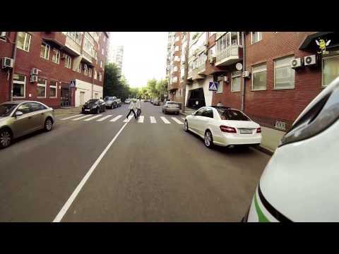 #027 - Мотоциклист Помогает Парковаться Авто. Добрые Дела