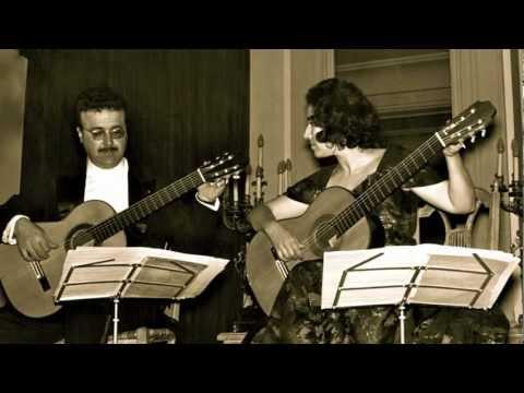 Ida Presti - Alexandre Lagoya. Bach : Suite Française N° 5 (1ère partie).