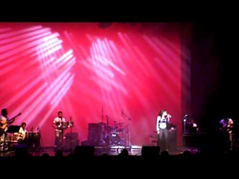 Shrea Ghoshal sings Munbe Vaa by AR Rahman in Cupertino DeAnza...