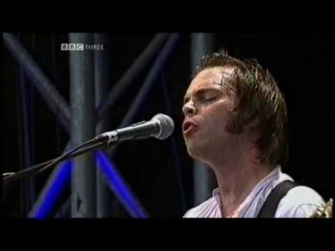Supergrass - Time - Glastonbury 2004