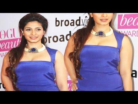 Hot Tanisha Mukherjee Big Hot Bosoms In Tight Dress thumbnail