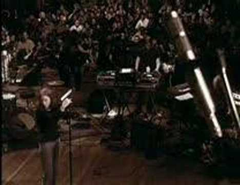 Portishead - only you (Roseland NYC Live)