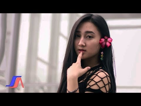Sandrina - Goyang Dua Jari ( Official Lyric Video )