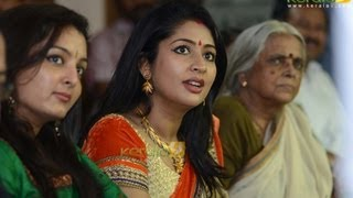 Sringara Velan - Manju Warrier steals show at Navya Nair's 'Navyarasangal'