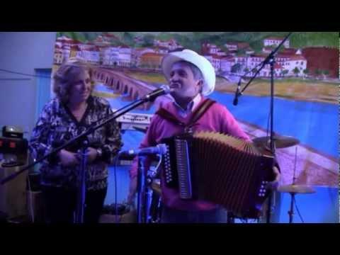 Cachadinha + Adilia de Passos cantares ao desafio - Ivry 18-11-2012 N.1