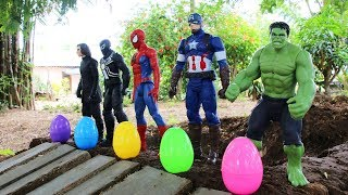 Surprise Eggs Superheroes | Water Slide & Surprise Toys