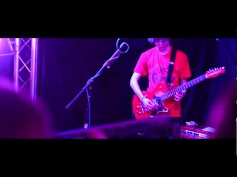 The Glamps @ B2 | Unsatisfied - Nine Black Alps (Cover)