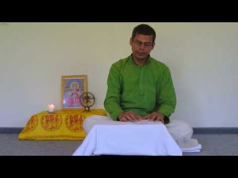 Harilalji Chants Chapter 2 Of The Bhagavad Gita video