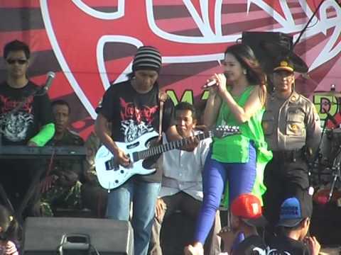 Rena KDI - 3 Hari 3 Malam Monata Live in Imaan 2014 (Netral)