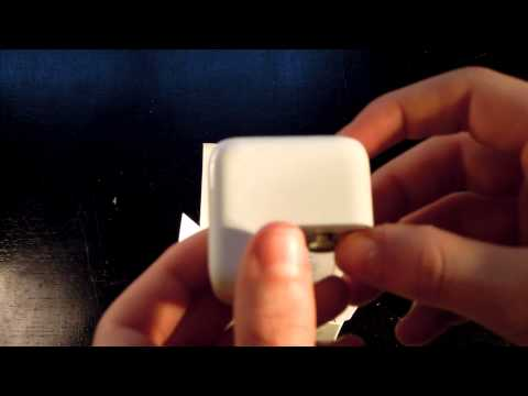 Apple 12W USB Power Adapter unboxing