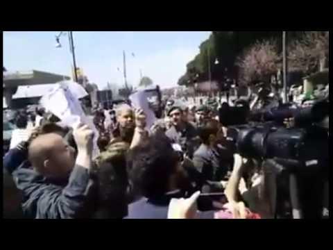 POMPEI: RENZI E DE LUCA CONTESTATI, MA I MEDIA TACCIONO (video)